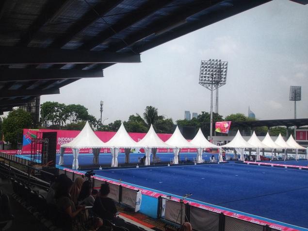 Lapangan Lawn Bowls yang mengambil venue di Hockey Astro Turf Senayan